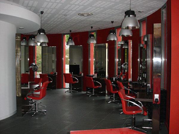 Salon de coiffure avec installation électrique par Merceron Michel, plombier, électricien, chauffagiste à Challans, Saint Jean de monts et le perrier